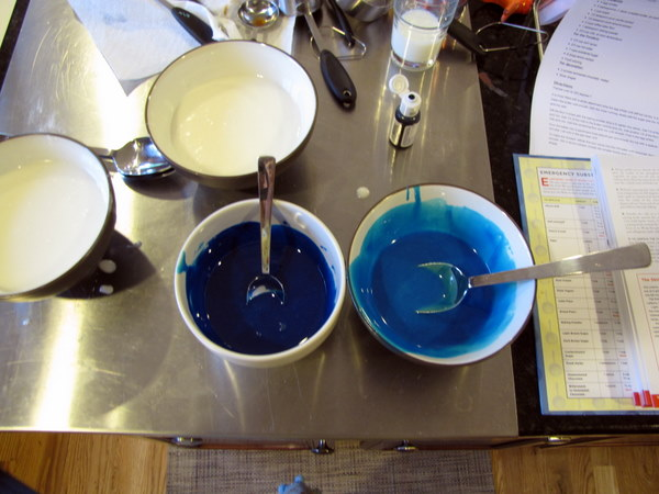 how to make navy blue icing with food coloring