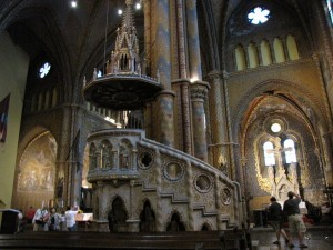 inside matyas templom
