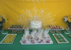 august dessert table