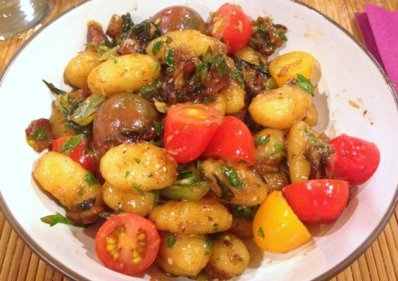 gnocchi with bacon and tomatoes